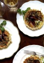 Stilton and fig tart with walnut dressing