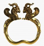 Gold griffin-headed armlet